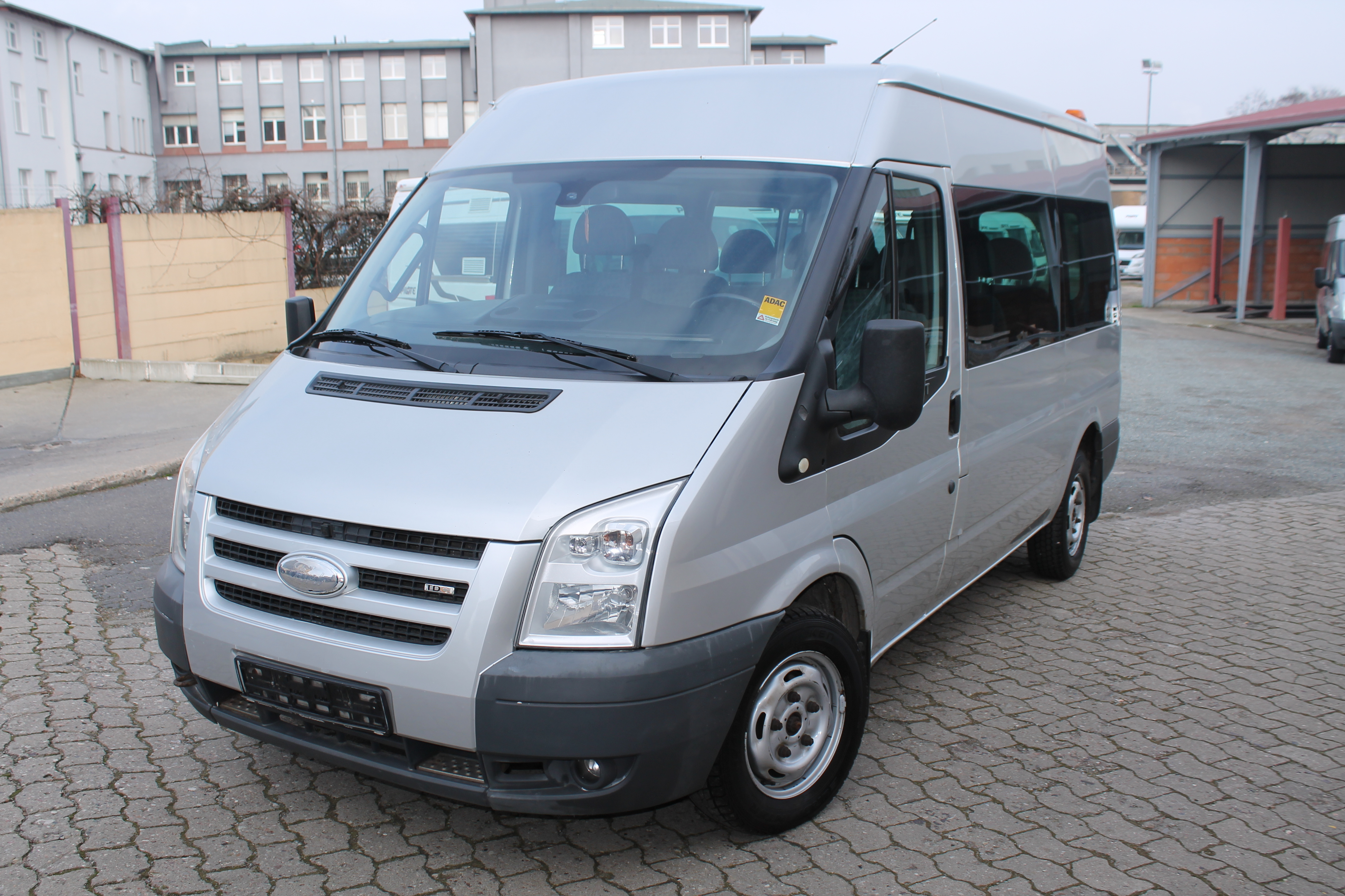 ford transit 9 sitzer berger reisemobile. Black Bedroom Furniture Sets. Home Design Ideas